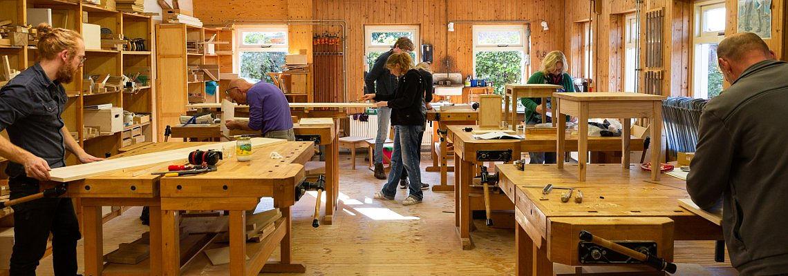 Cursus ambachtelijk meubelmaken en het praktisch leerjaar meubelmaken