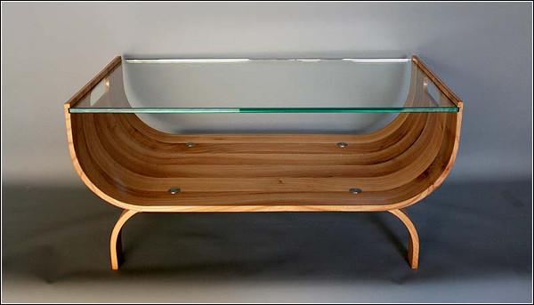 Salontafel uitgevoerd in stoomgebogen iepenhout